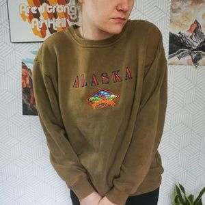 Vintage Alaska embroidered fleece Crewneck